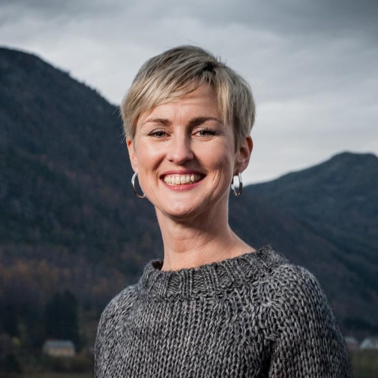 Portrett av Astrid Hjelmeland
