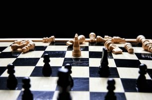 Beating your OhmHour forecast portrayed by a game of chess