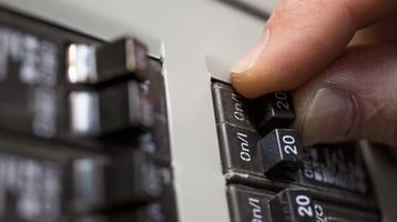 Turning circuit breakers off for an OhmHour