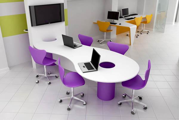 mesa de reunião com forma orgânica