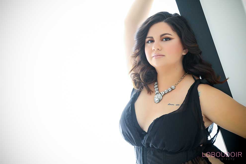 plus-size-boudoir-photography-photo-by-loboudoir-photography