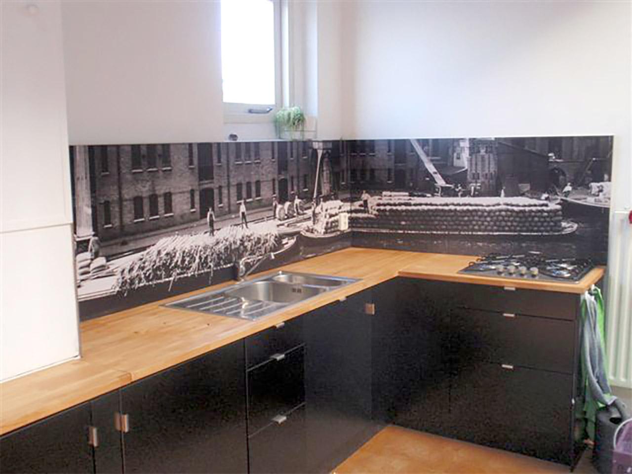 Keuken achterwand met oude foto
