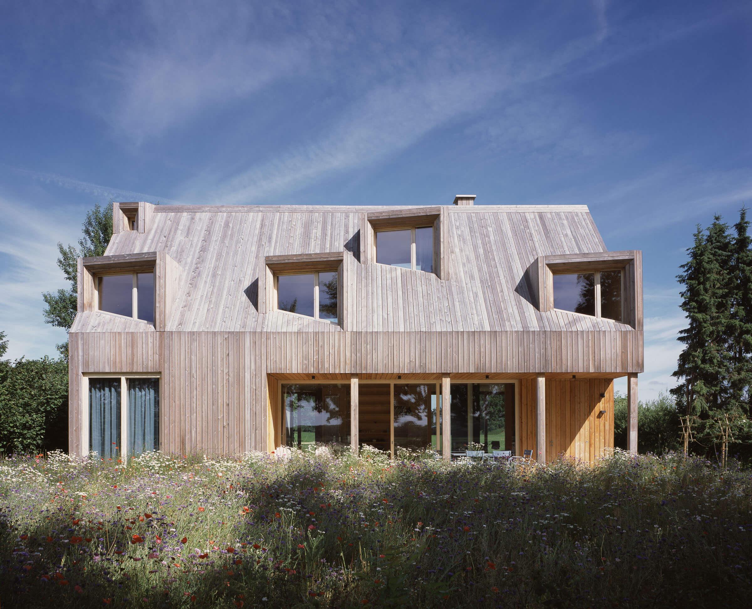 Ausbau eines Holzhauses am Ufer der Schlei