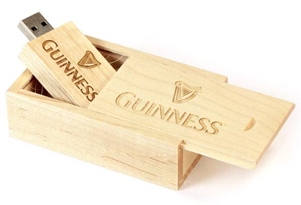 Деревянная коробка для USB флешки