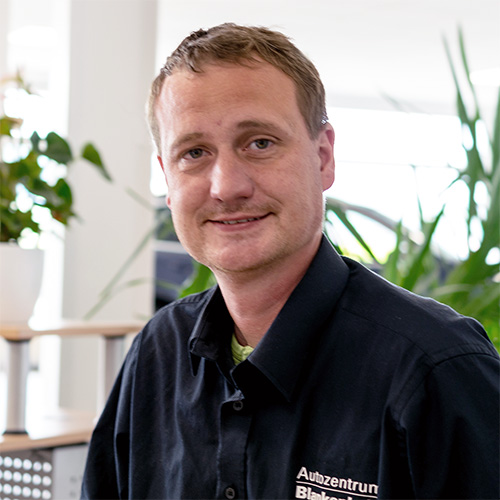 Mark Belikat, Serviceberater