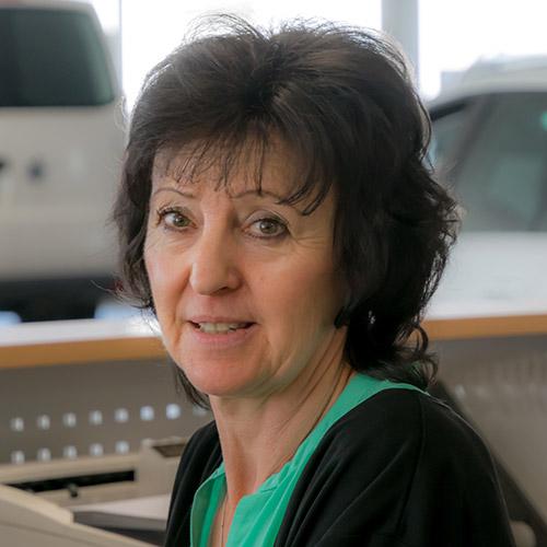 Maritta Schwarz, Serviceassistentin
