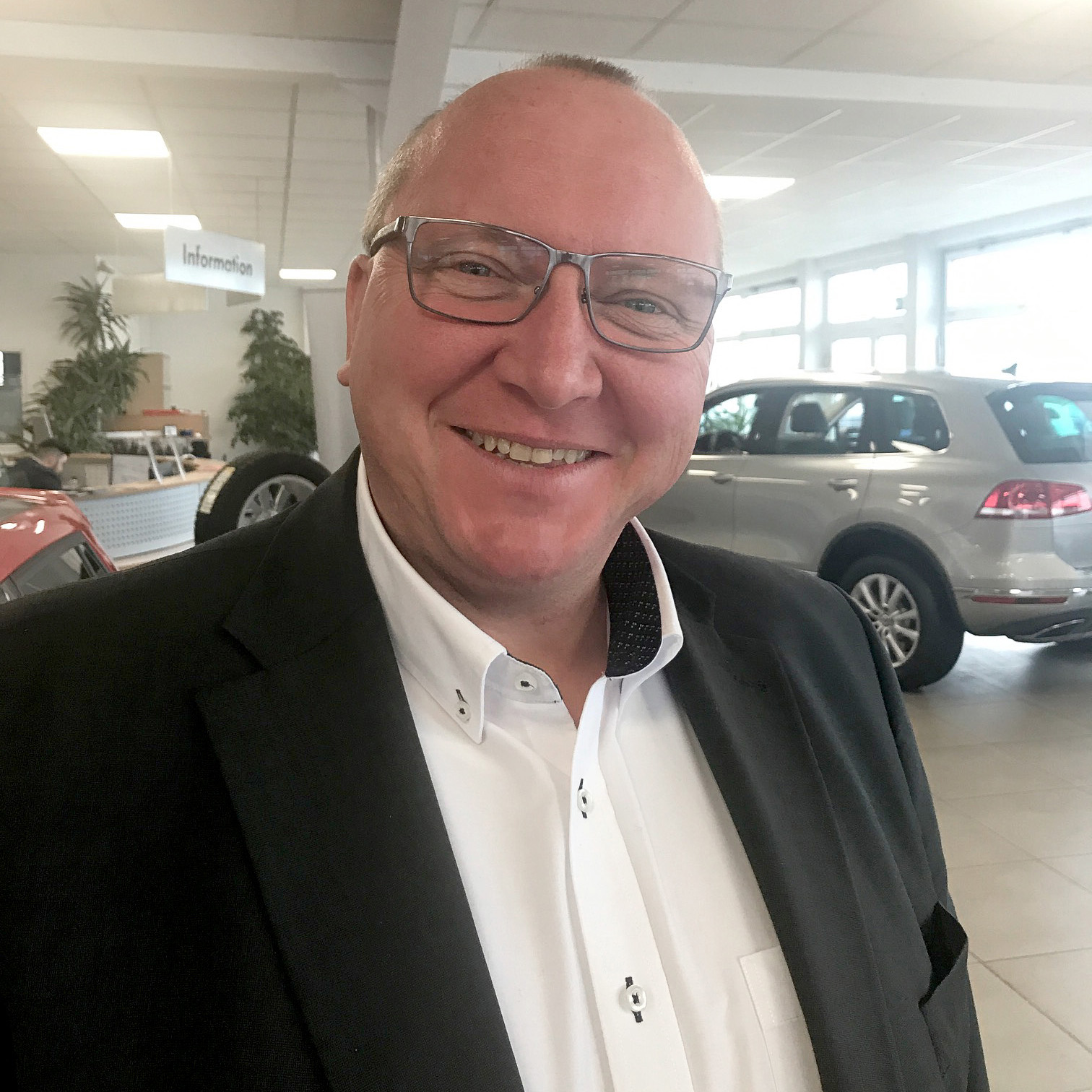 Hans-Peter Buerschaper, Verkaufsberater