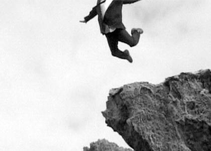 Imagen-Saltando-barranco