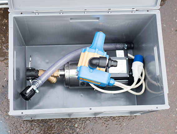 On-demand pump fservices multiple water bowsers