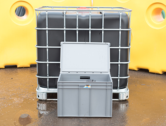 Caged IBC for water security at your event
