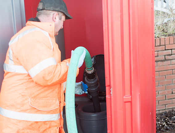 Waste tank cleaning of your portable toilet