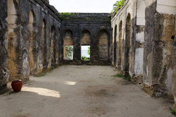 ruins and monuments of zanzibar