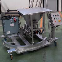 Pikalukituksella varustettu piensäkin tyhjennyssuppilo ja aeromekaaninen putkikolakuljetin