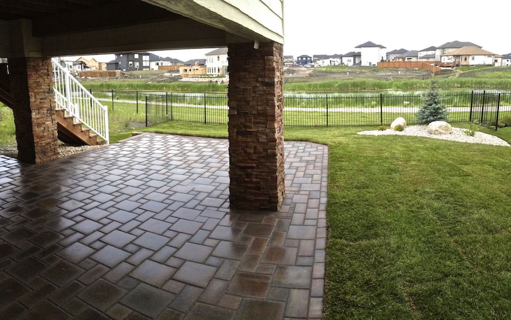 Bridgewater Winnipeg landscaping with Verano paving stone