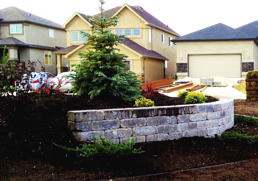 Quarry stone landscaping retaining wall