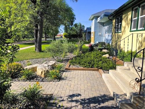 Winnipeg landscaping custom front yard design