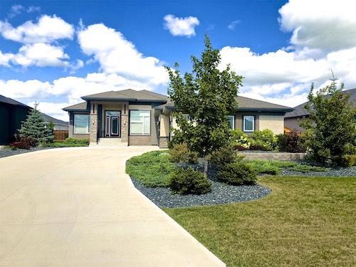 Oak Bluff Winnipeg landscaping