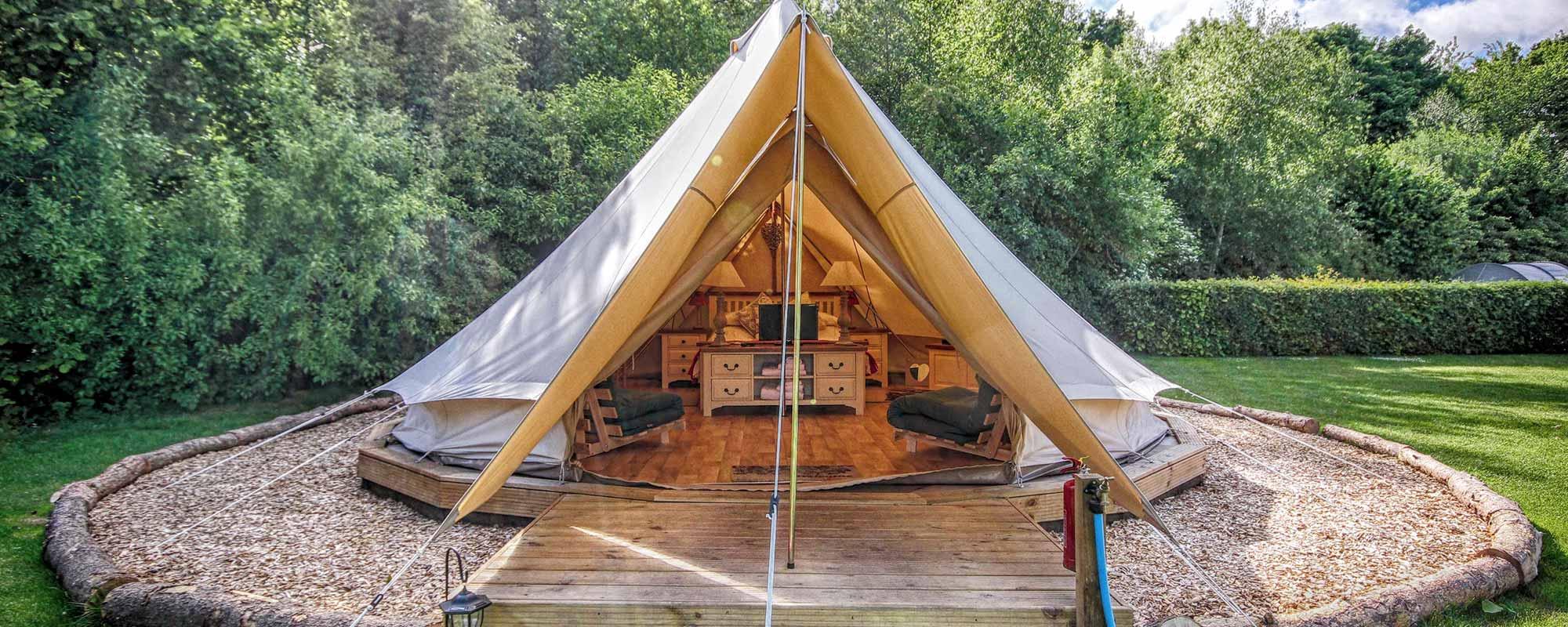 Menu & Bell Tent Glamping in Norfolk   Deeru0027s Glade