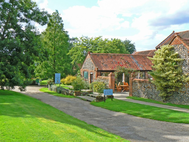 Alby Crafts & Gardens