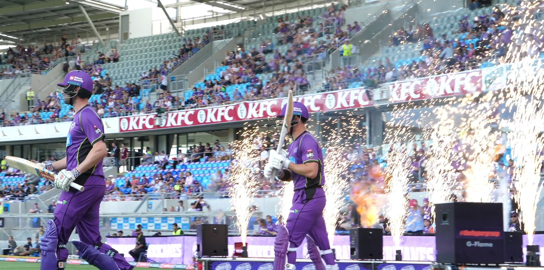hobart hurricanes players walk out
