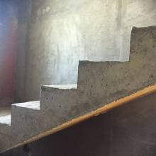 Лестница из бетона на второй этаж