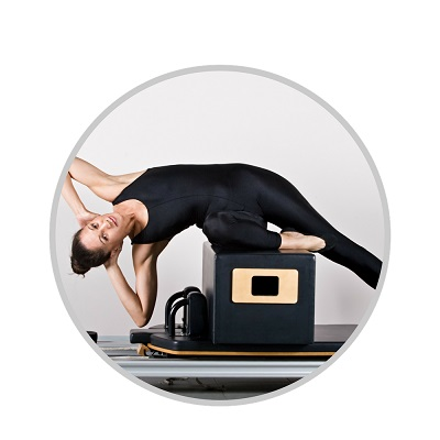 Entrenar Pilates con máquinas. Fuerza muscular Fisioterapia & Moviment Pilates Estudio Barcelona