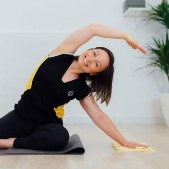 Graduada en Fisioteràpia i instructora d'Hipopressius i Pilates a Fisiomoviment
