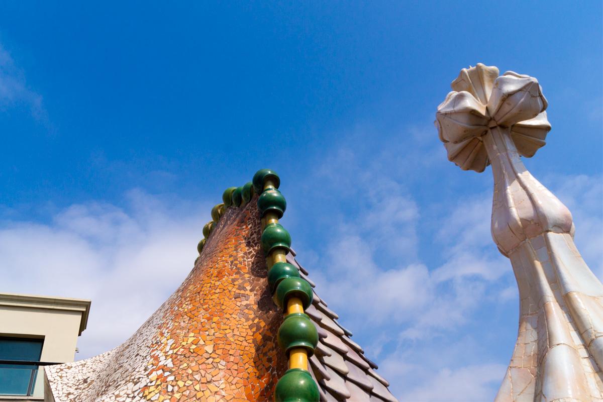 Cobertura da Casa Batlló - Cruz Catalã - Gaudí