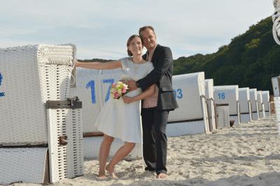 Hochzeitspaar am Strand Sellin - Hochzeitsfotograf