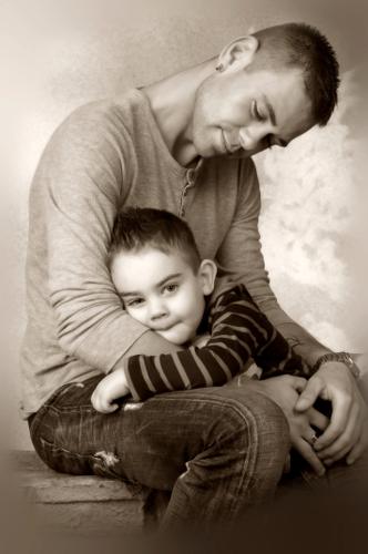 Vater mit Sohn sinnlich