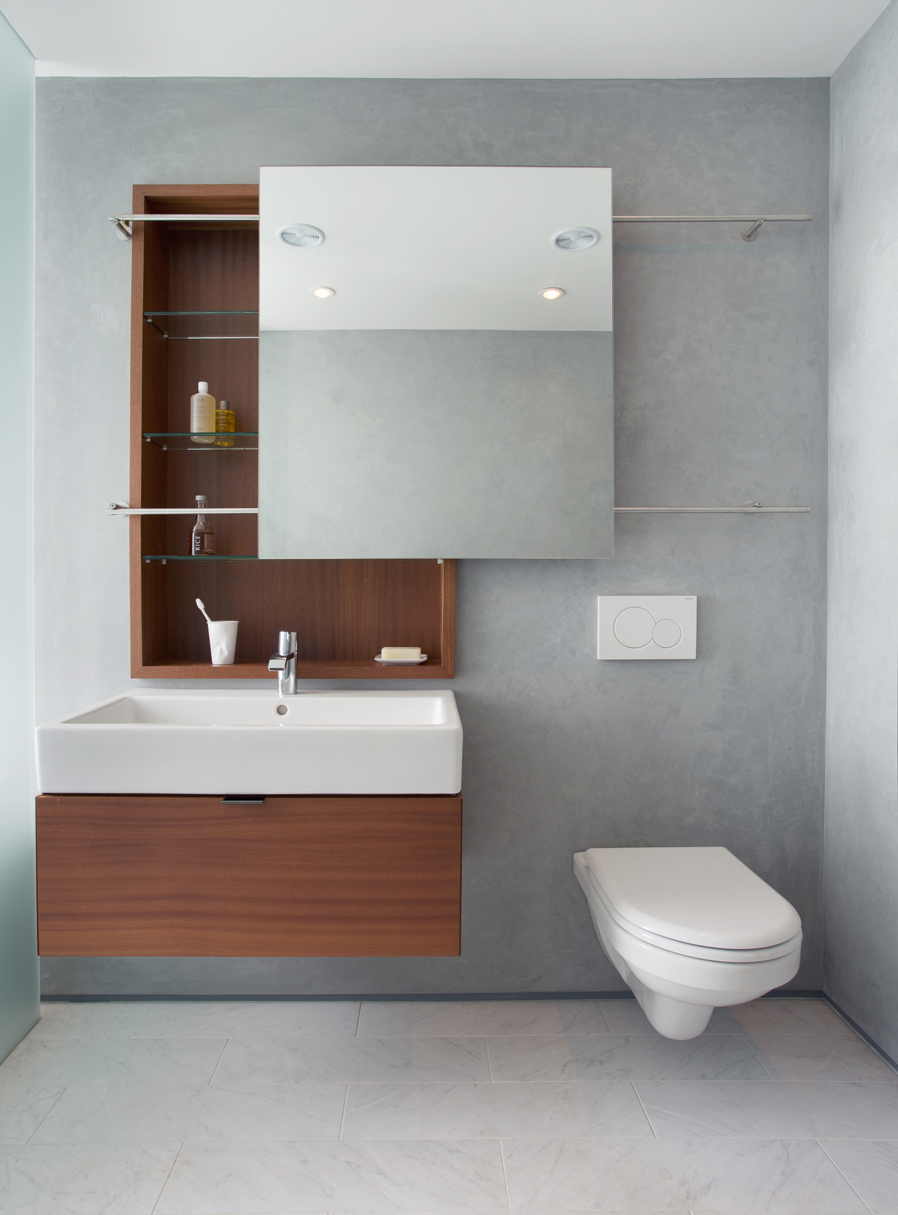 Boston Architects BUTZ + KLUG architecture Contemporary renovation Boston MA South End Bath