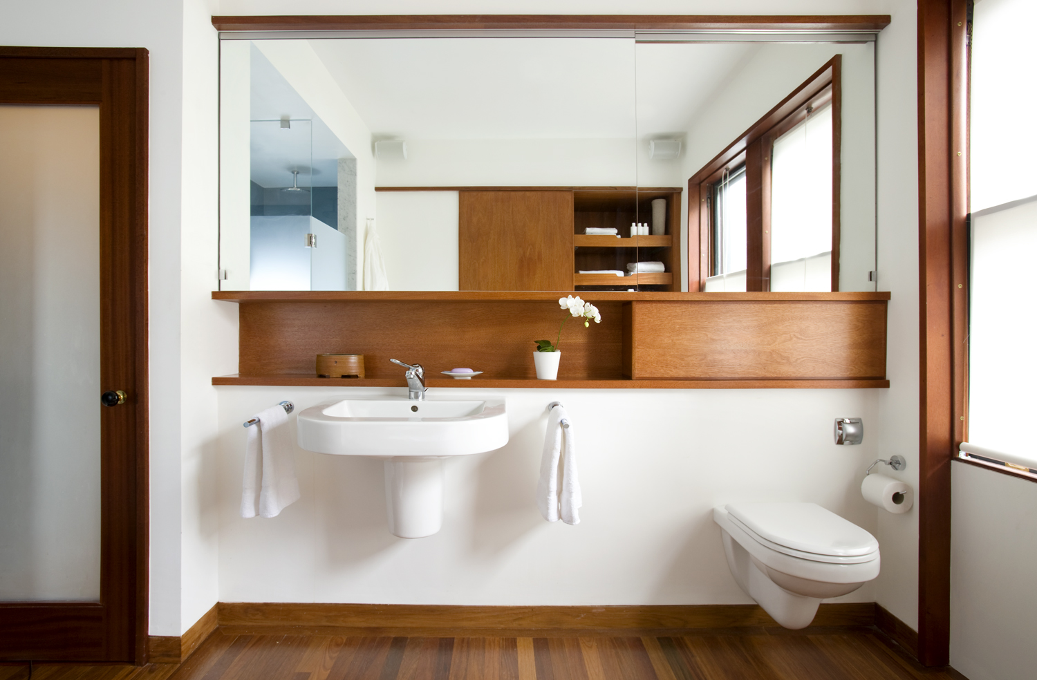 Boston Architects BUTZ + KLUG architecture Contemporary renovation Brookline MA Bath
