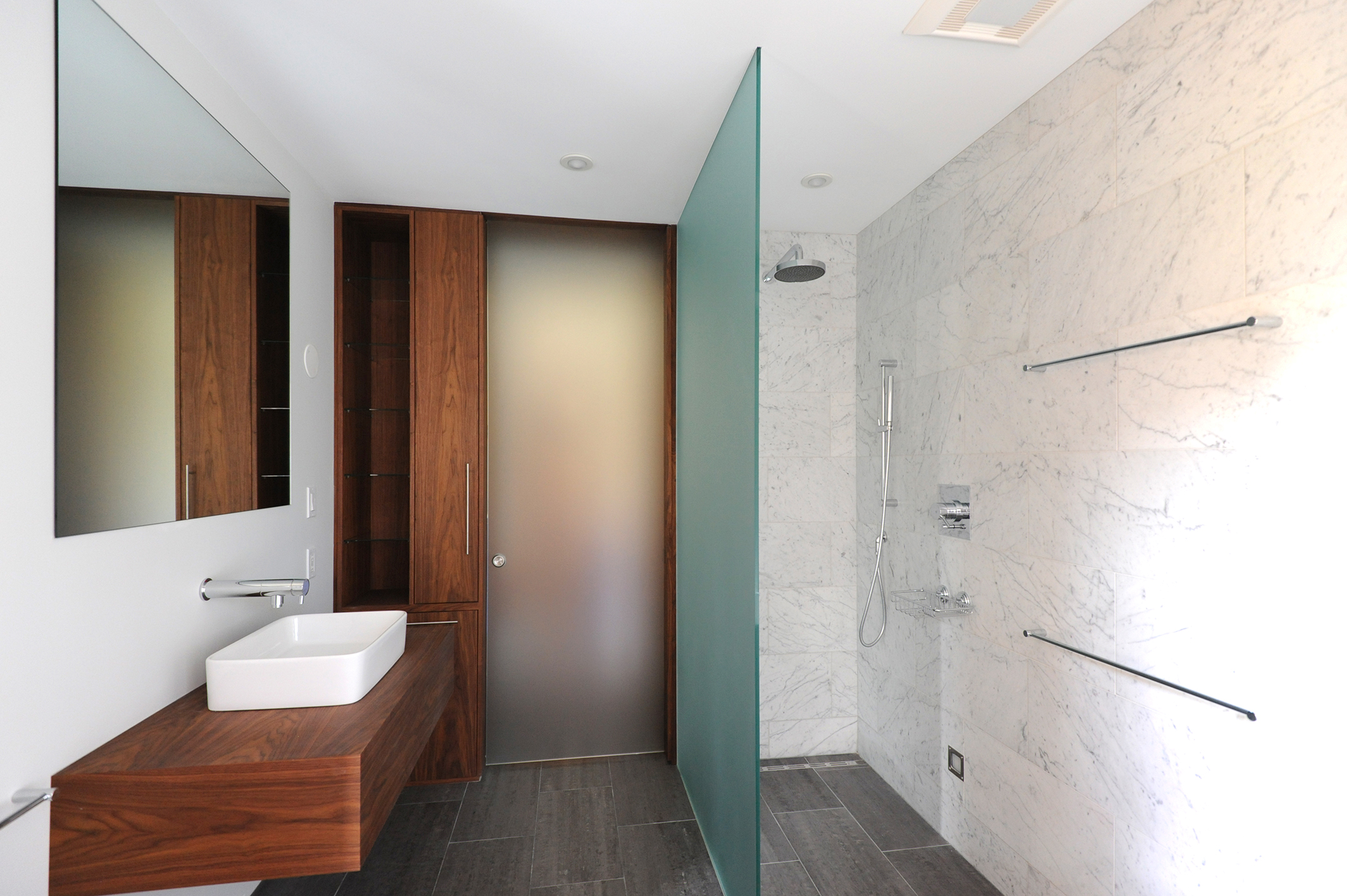 Boston Architects BUTZ + KLUG architecture Contemporary renovation Boston MA Rowes Whrf Bath