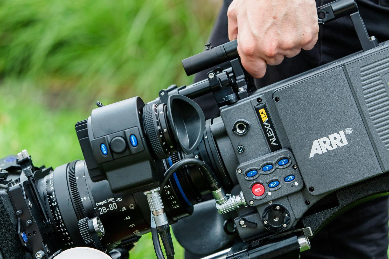 Full Frame Cinema Camera Comparison - ARRI Alexa LF vs RED