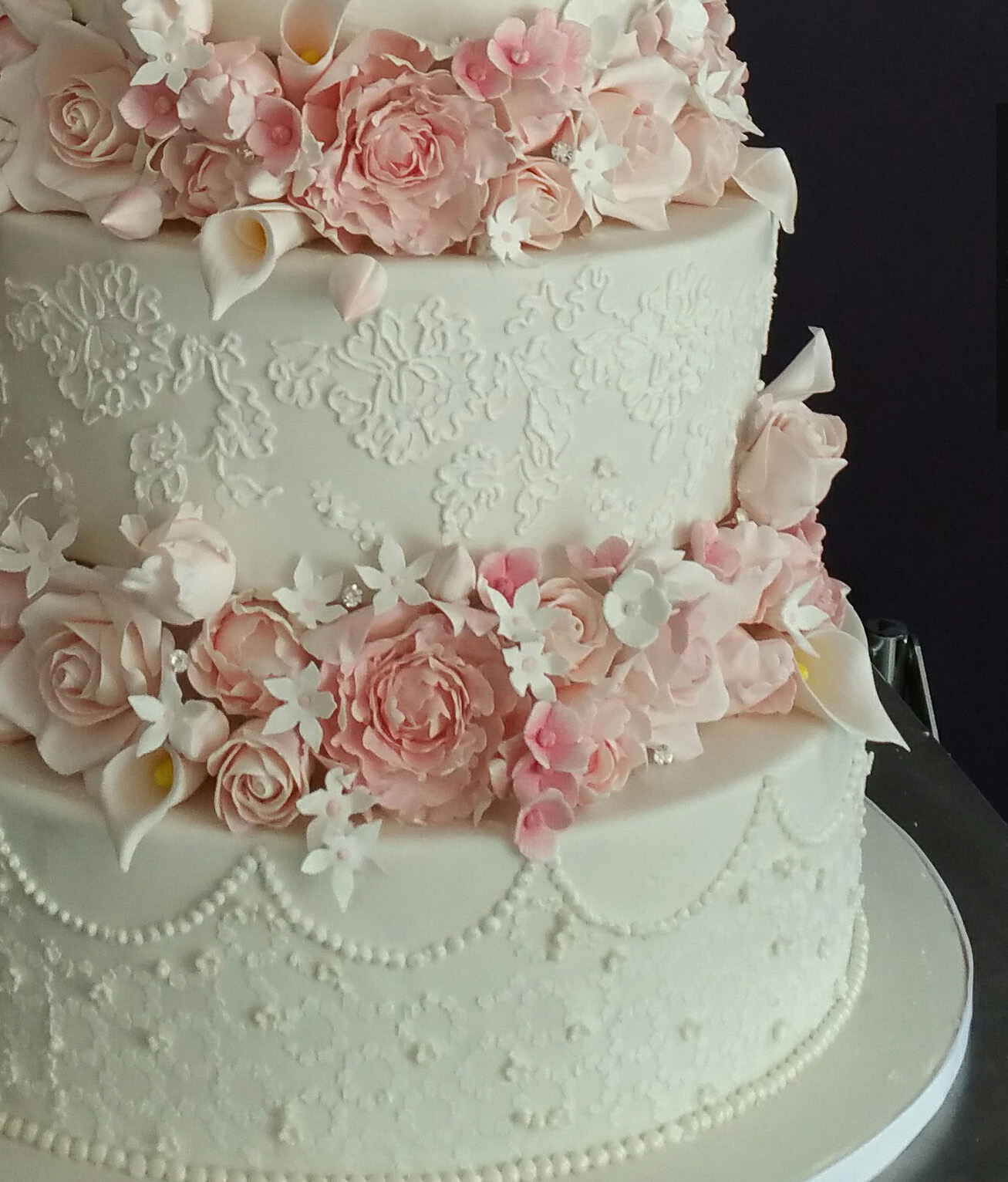 Detal closeup of intricate wedding cake by My Daughter's Cakes