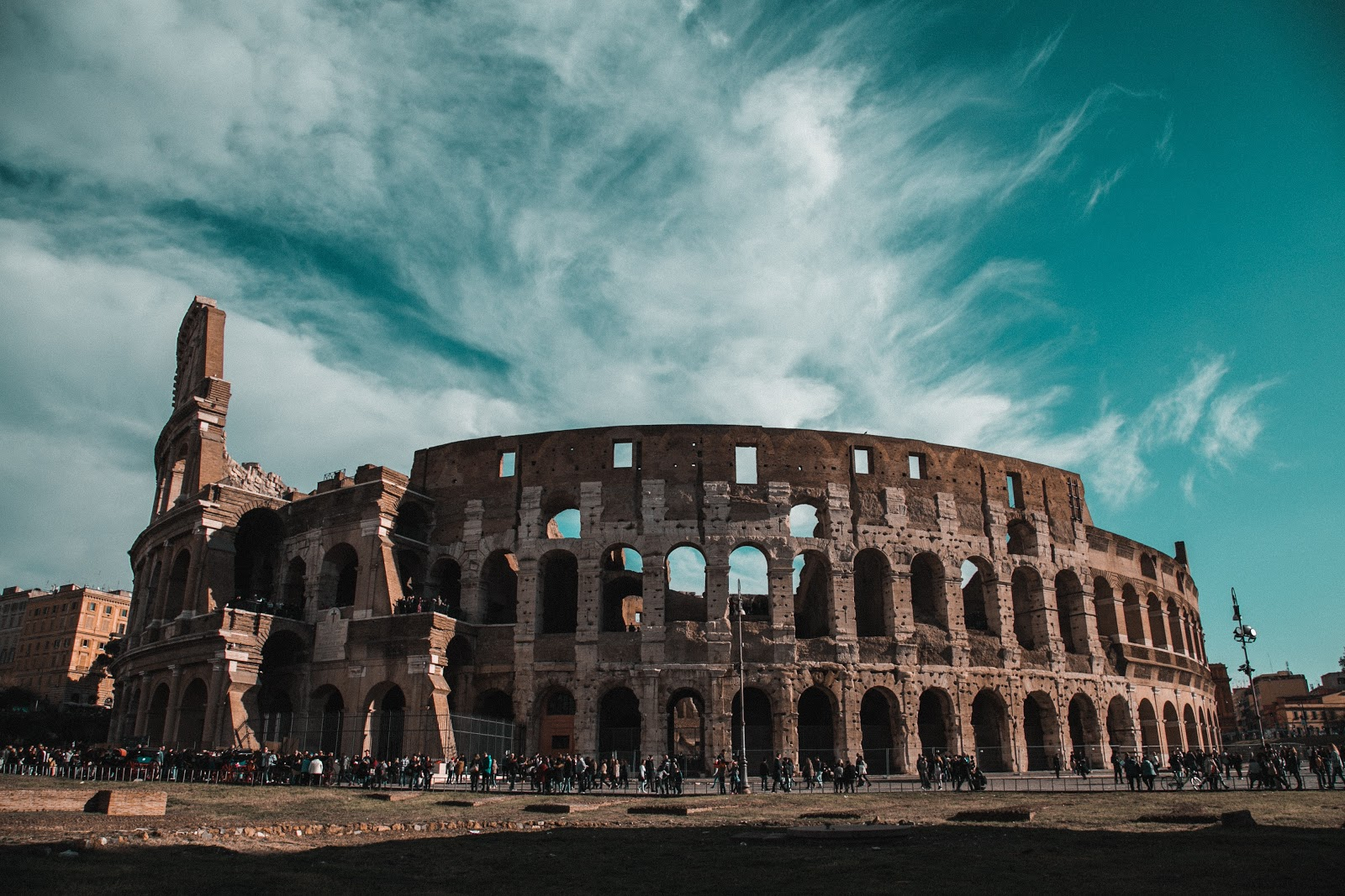 A photo of an ancient roman colosseum.