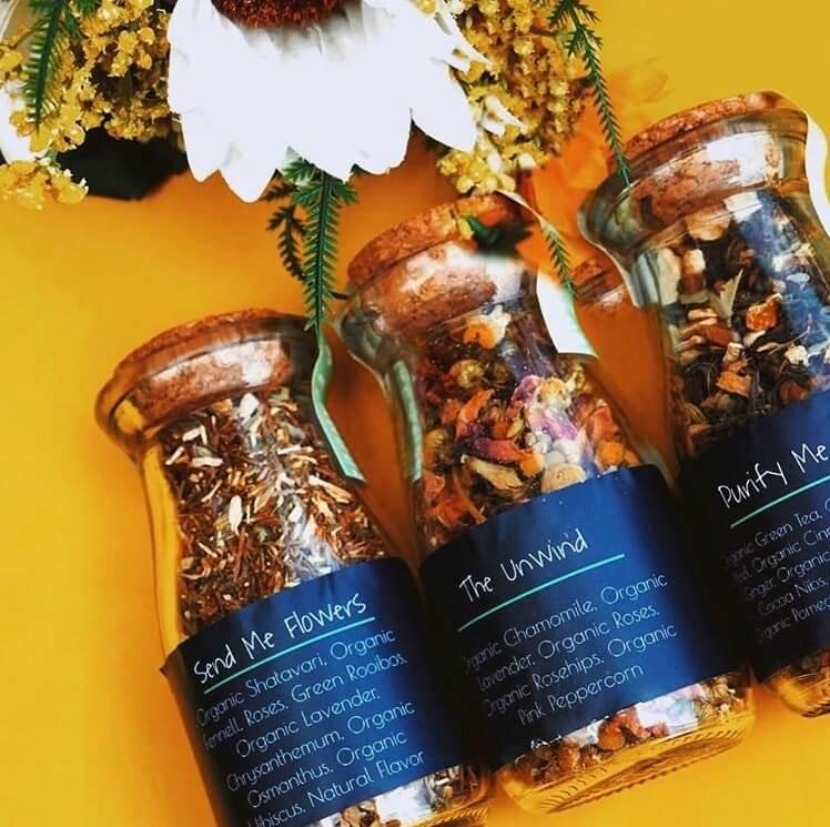 teas in glass jars