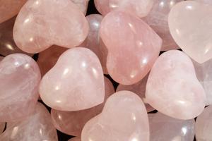 pink heart crystals rose quartz