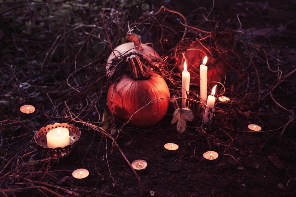Pumpkins and Candles can be used as decorations for Samhain