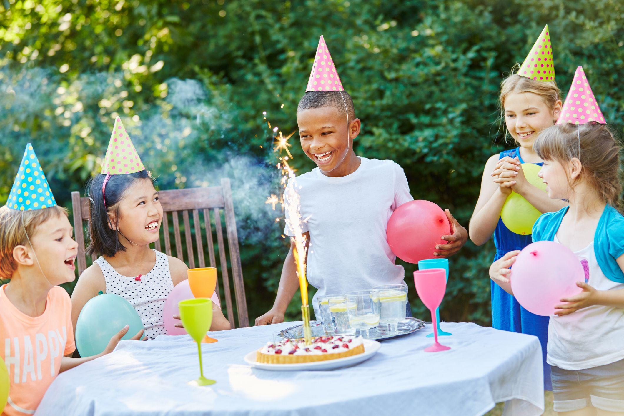 Kids celebrating at a zero waste birthday party.