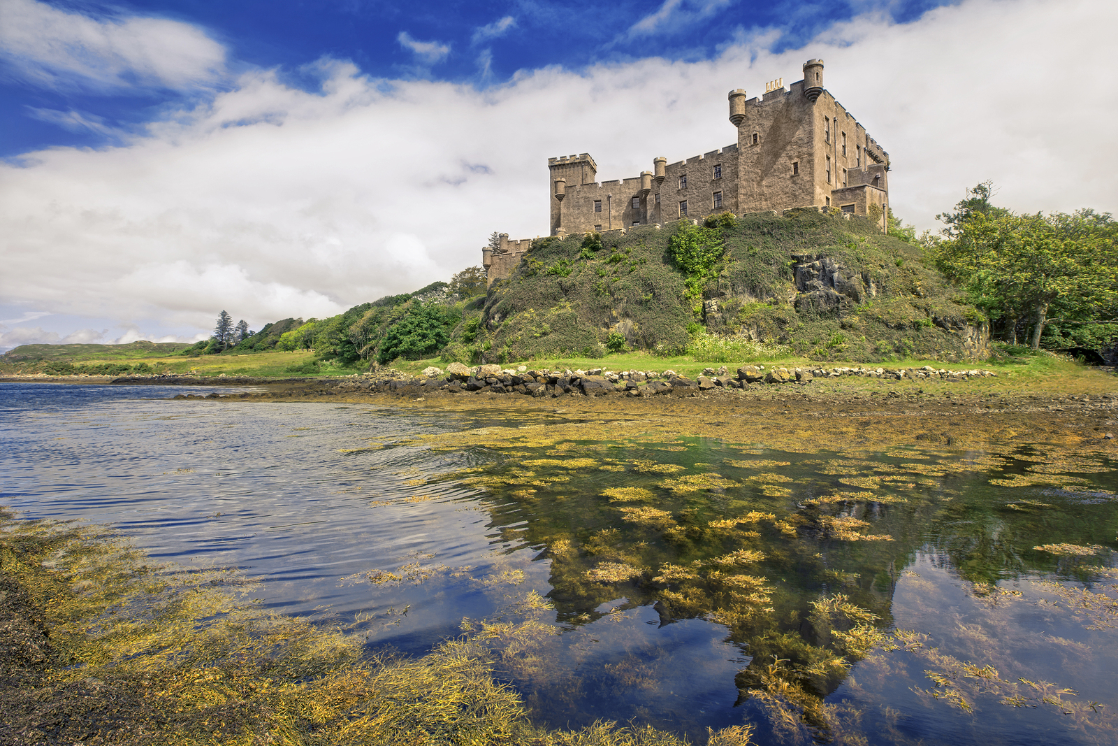 Dunvegan Castle in the West of Skye is a magnificent sight, based right on the edge of the Cullin Mountains