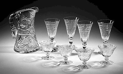 Photo-of-antique-glassware-nj-collectibles