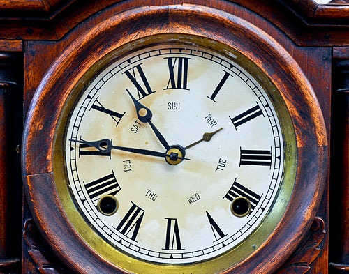 Photo-of-antique-clocks-nj-collectibles