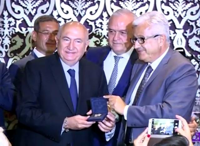 تكريم د. أنطوان معلوف في ختام المؤتمر السنوي الثامن للجمعية الطبية الفرنسية اللبنانية