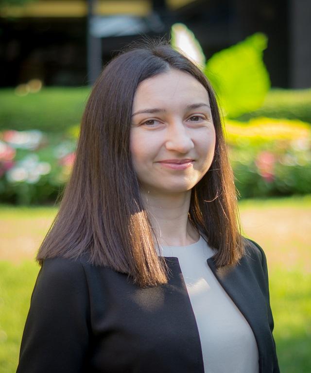 Elena Nakul