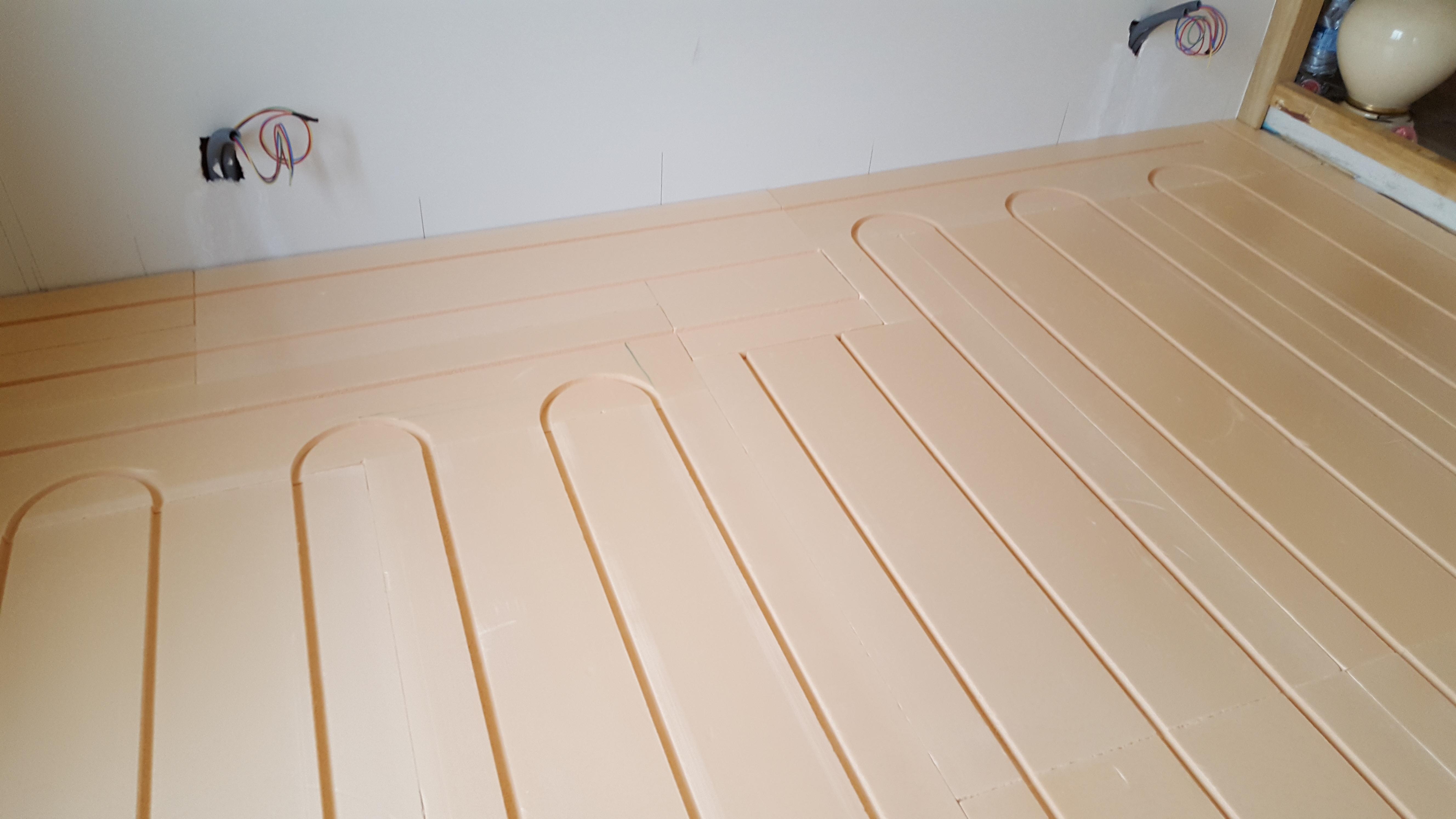 Pose de plancher chauffant Caleosol Tradi XPS 92000 Nanterre