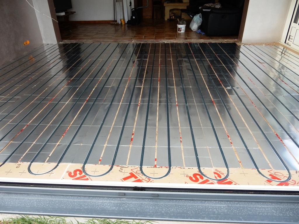 Plancher rafraîchissant pour climatisation de véranda