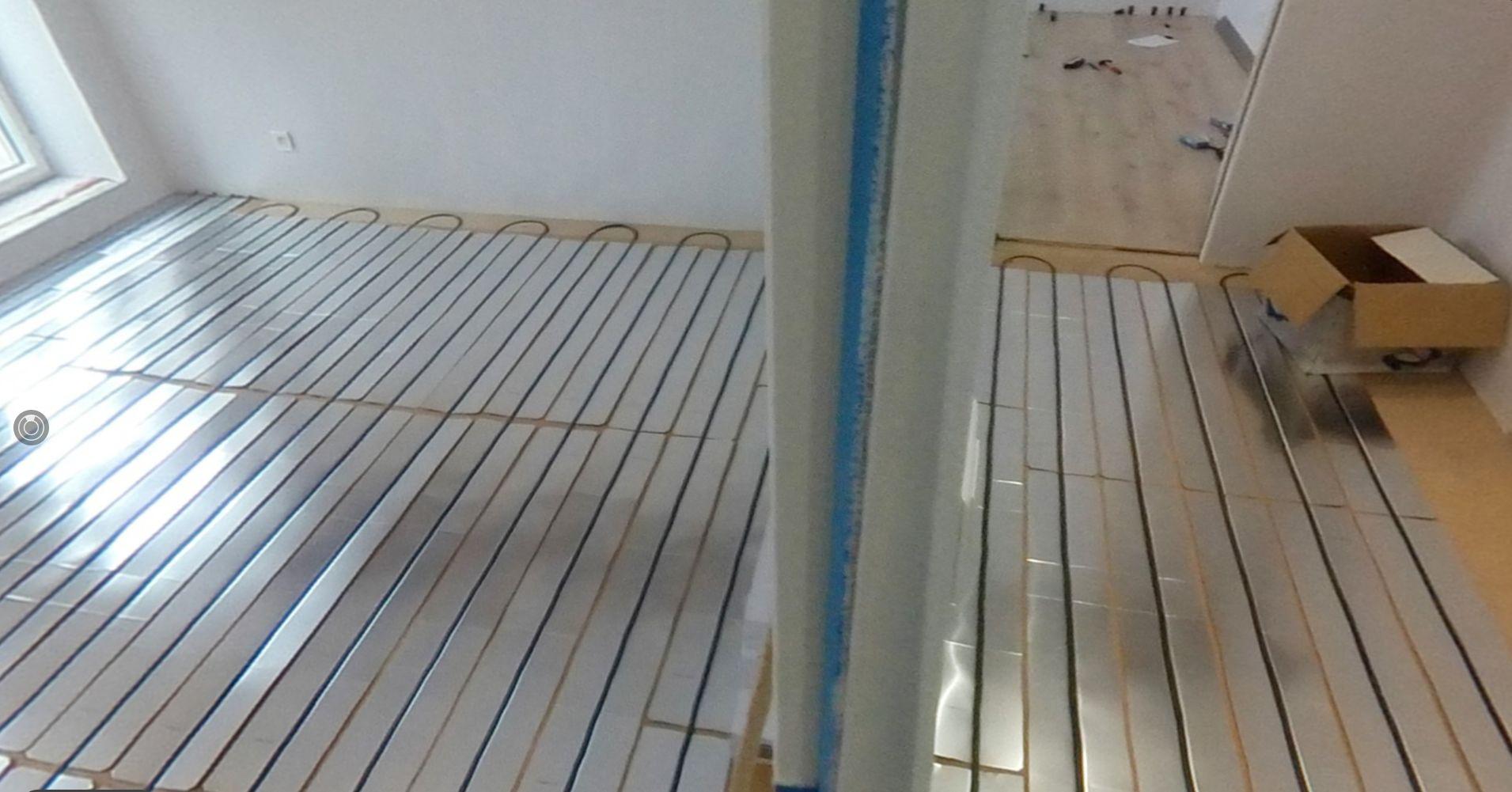 Pose des diffuseurs aluminium et tuyaux d'eau tièdes
