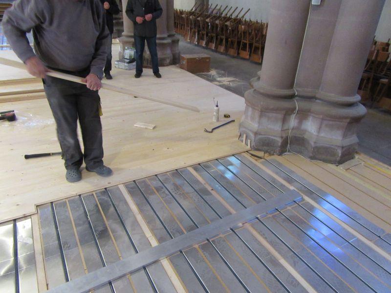 Photos du chantier pose plancher chauffant Caleosol dans l'église d'Héricourt - Montbéliard