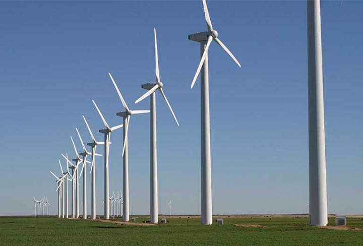 The Brazos Wind Farm Fluvanna, Texas. Trump's unbridled support of fossil fuels could cripple alternative energy development in the U.S., as China and the rest of the world pull ahead. Photo by Leaflet licensed under the Creative Commons Attribution-Share Alike 3.0 Unported license.